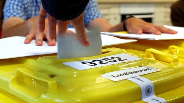 Analyse der Bayern-Wahl: Der Weg in die politische Mitte ist das Ende der Volksparteien