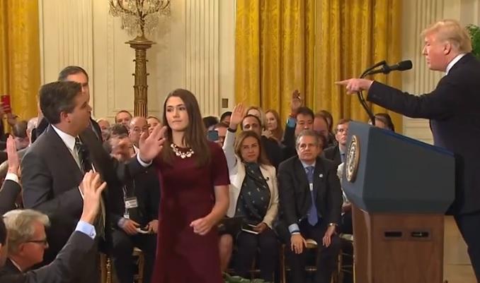 """Trump """"teilt gegen CNN-Journalisten aus""""? Wie der Spiegel durch Wegglassen Nachrichten verfälscht"""