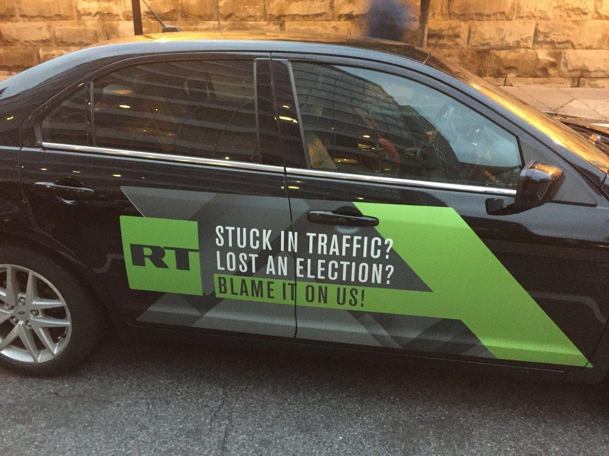 Russland ist an allem Schuld (lt. Merkel sogar an den Schülerprotesten) – RT nimmt´s mit Humor