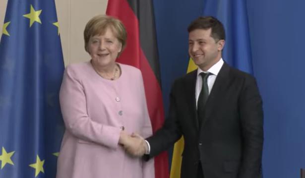 Selensky in Berlin: Ein anderes Gesicht, aber die gleichen Parolen, wie unter Poroschenko