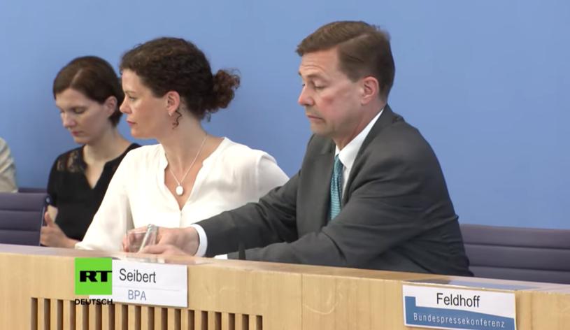 Blamage: Regierungssprecher kann nicht beantworten, wie Russland gegen Minsk II verstößt