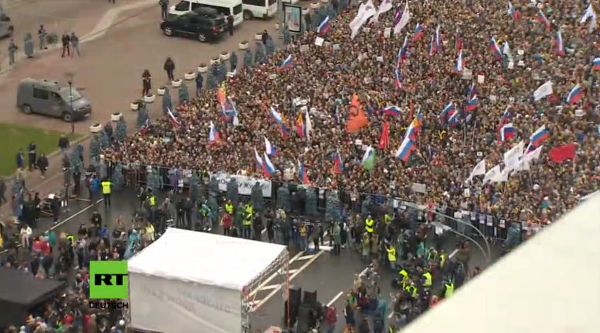 Live aus Moskau: Die genehmigte Demonstration