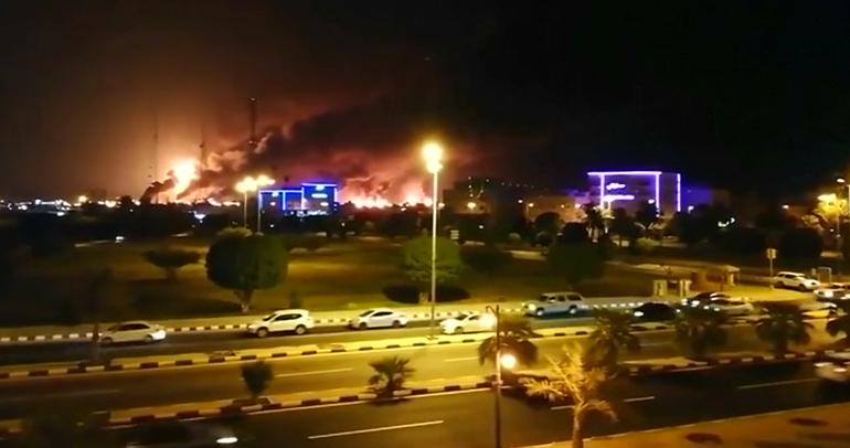 Angriff auf saudische Raffinerie – Was sind die bekannten Fakten?