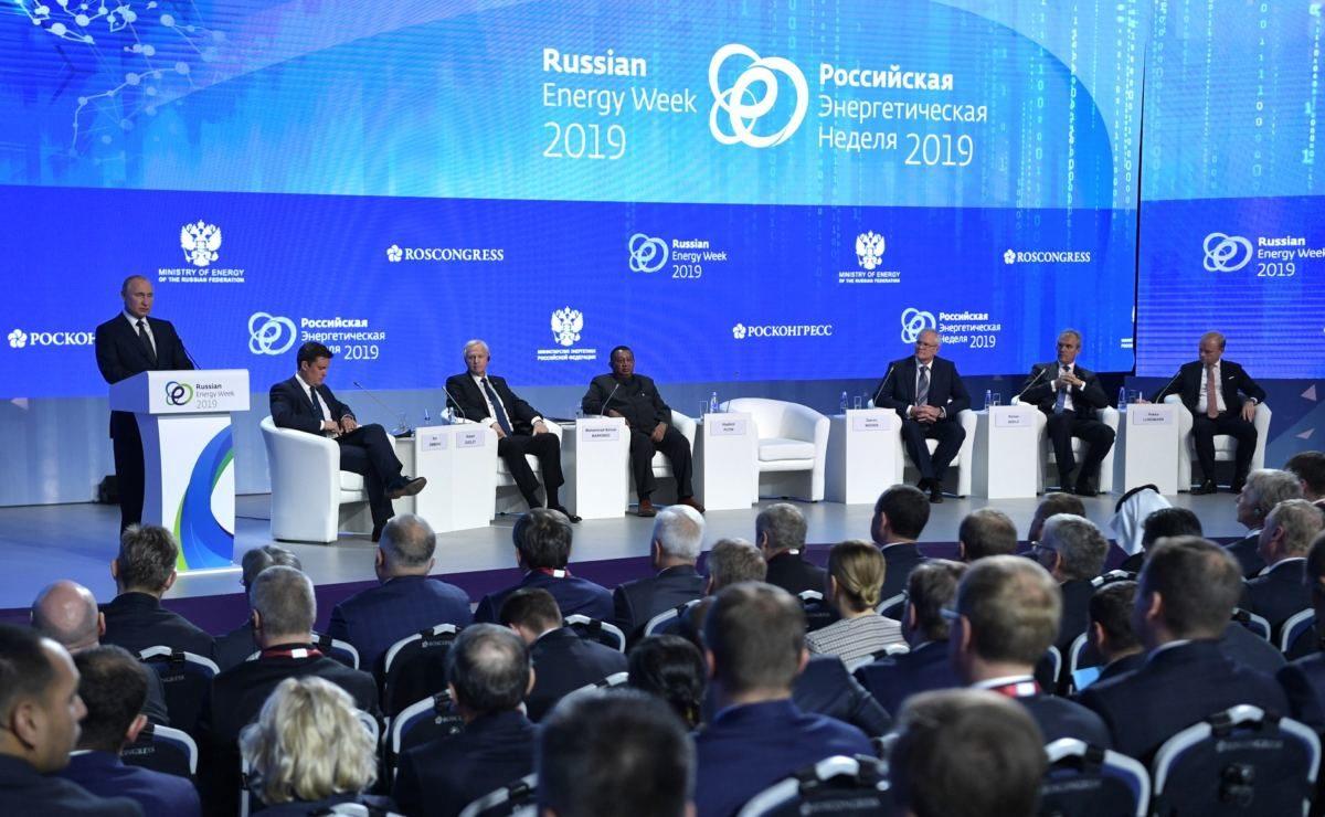Putin im O-Ton über die europäische Gasversorgung und die Rolle des US-Dollar im weltweiten Handel