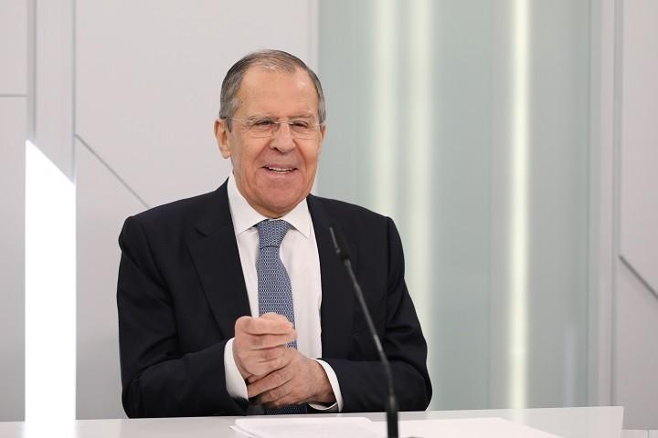 Einstündiges Interview des russischen Außenministers Lawrow über das Verhältnis zur EU und zu Deutschland