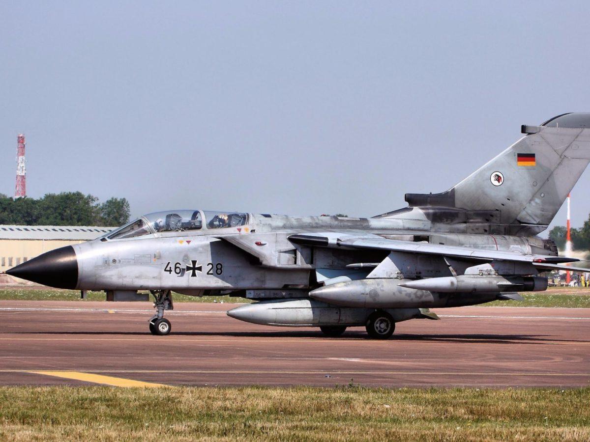 Abwurftests neuer US-Atombomben: Neuigkeiten im Streit über Ersatz der Tornado-Kampfjets