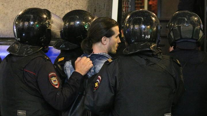 Wie in Russland über Festnahmen bei Demos gegen die Verfassungsreform berichtet wird