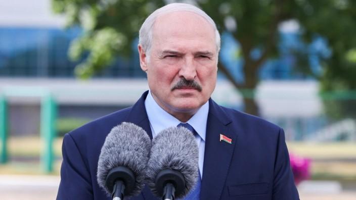 Sanktionen gegen Weißrussland gefordert – Fällt Lukaschenko sein Flirt mit dem Westen auf die Füße?