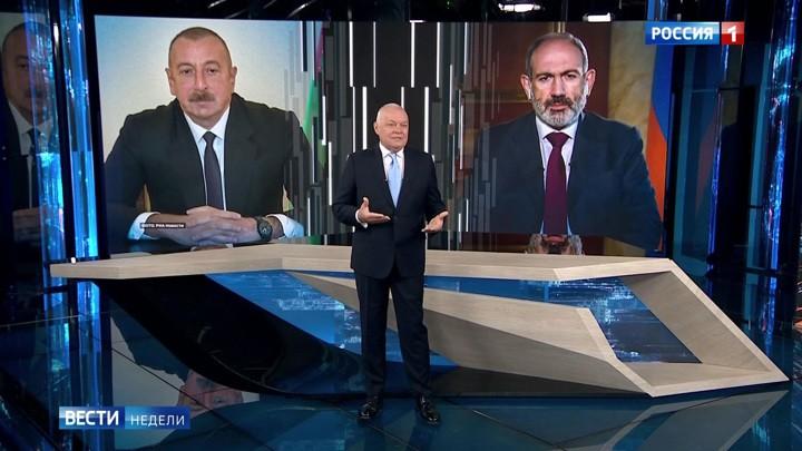 Krieg um Bergkarabach: Das russische Fernsehen interviewt beide Staatschefs