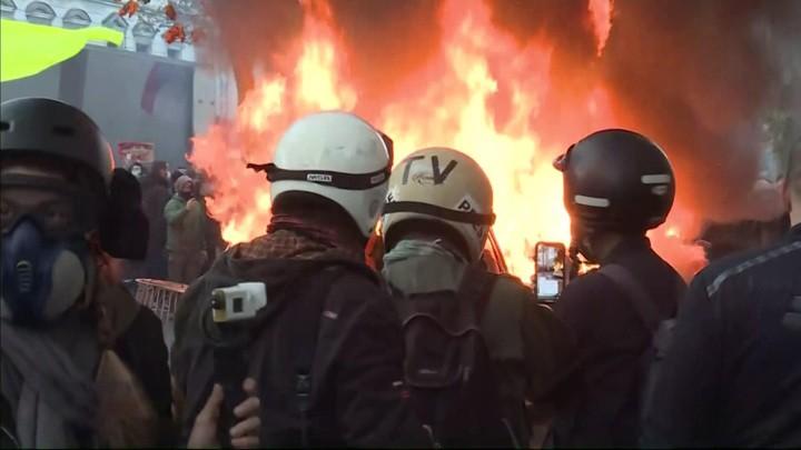 """Französisches """"Sicherheitsgesetz"""": Die Bilder aus Paris erinnern an einen Bürgerkrieg"""