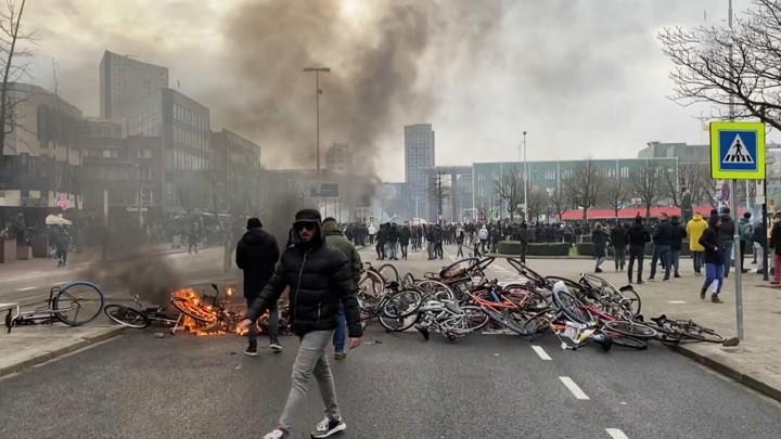 Massive Unruhen in den Niederlanden – Bilder, die deutsche Nachrichten nicht zeigen