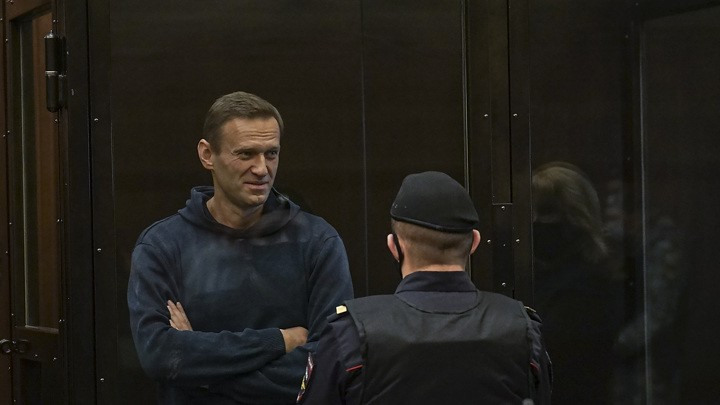 Der Tag des (jüngsten) Gerichts für Navalny: Zwei Prozesse und zwei Verurteilungen an einem Tag