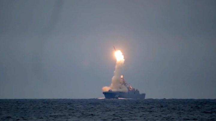 Wettrüsten: Das russische Fernsehen über die letzten Tests der Hyperschallrakete Zirkon